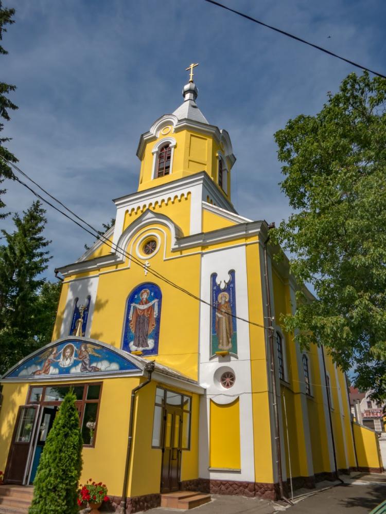 Покровська церква - м. Луцьк, вул. Данила Галицького, 12 - адреса, телефон, відгуки